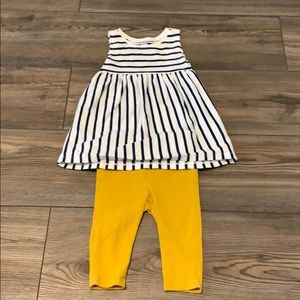 Baby Girl Outfit: Size 6 to 12 months